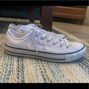 NWOT Converse Eyelet Lace Lowtops